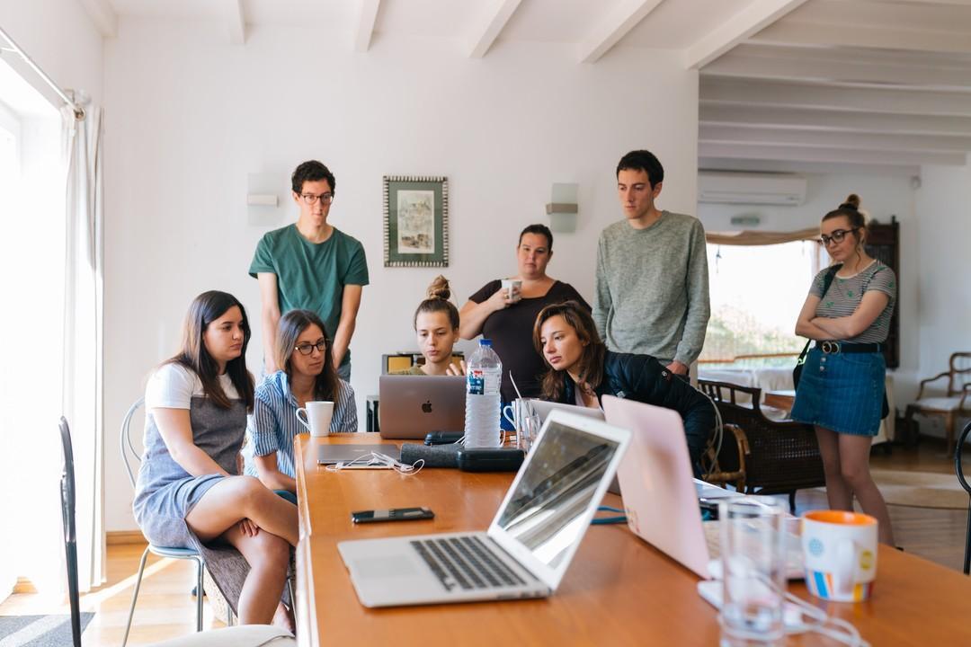 Superando o paradoxo: Como conseguir experiência profissional antes de entrar para o mercado de trabalho?
